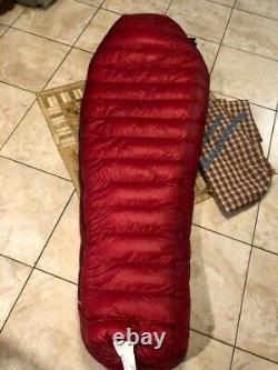 Western Mountaineering Alpinlite 20F Down sleeping bag
