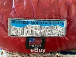 Western Mountaineering Alpinlite 20 degree sleeping bag 5'6 barely used