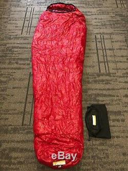 Western Mountaineering Apache MF 15°F Down Sleeping Bag 6'6 Right Zip